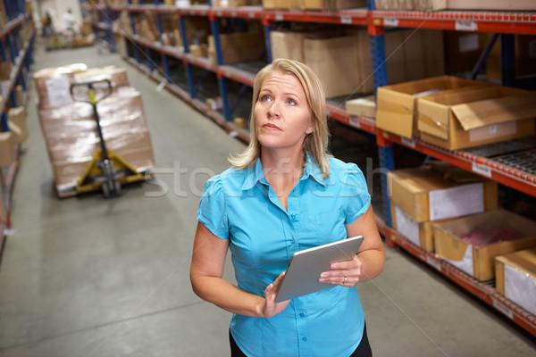 女性実業家 デジタル タブレット ディストリビューション 倉庫 女性 ストックフォト © monkey_business