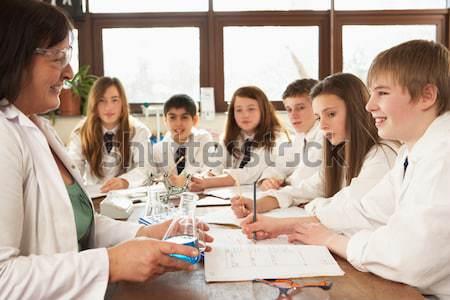 Iskolások tanár középiskola tudomány osztály férfi Stock fotó © monkey_business