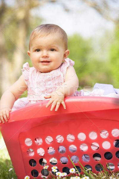 été robe séance panier à linge bébé Photo stock © monkey_business