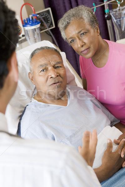 Photo stock: Couple · de · personnes · âgées · parler · médecin · médicaux · couple · soutien