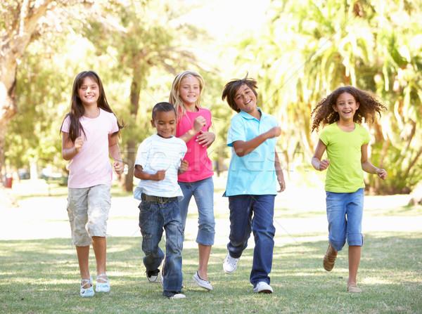Stockfoto: Groep · kinderen · lopen · park · gelukkig · vrienden