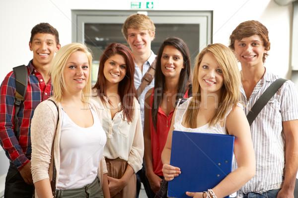 Studenten college vrouw gebouw vrouwen werk Stockfoto © monkey_business