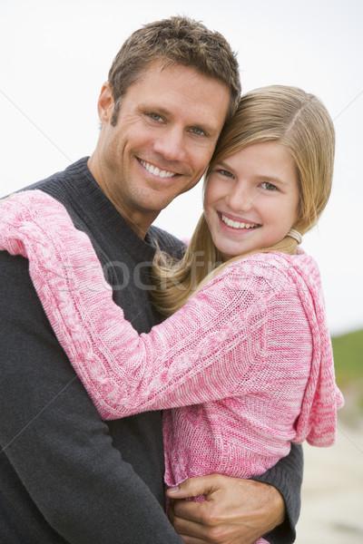 Сток-фото: отец · дочь · пляж · улыбаясь · детей