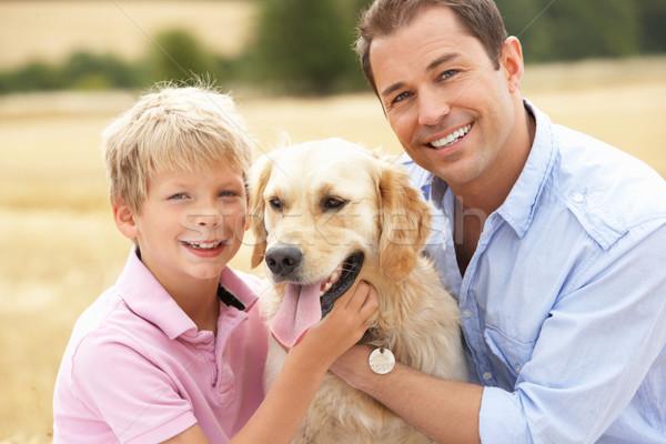 ストックフォト: 父から息子 · 座って · 犬 · わら · 家族 · 男