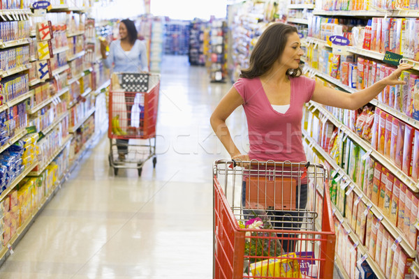 Donne alimentari shopping supermercato alimentare felice Foto d'archivio © monkey_business