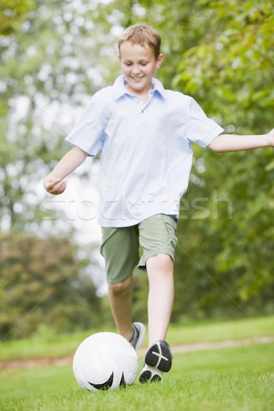 Zdjęcia stock: Młody · chłopak · gry · piłka · nożna · sportu · piłka · nożna · zabawy