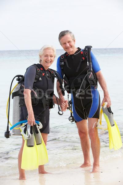 Couple de personnes âgées équipement vacances plage Photo stock © monkey_business