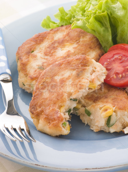 Lachs Fisch Kuchen Mais Salat Essen Stock foto © monkey_business