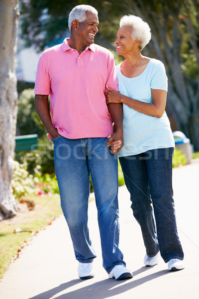 ходьбе парка вместе женщину женщины Сток-фото © monkey_business