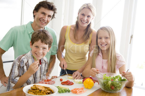 Famille repas ensemble femme fille homme Photo stock © monkey_business
