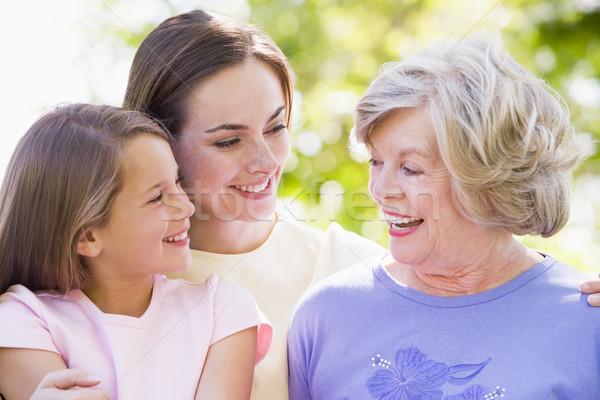 Foto stock: Avó · adulto · filha · neto · parque · família