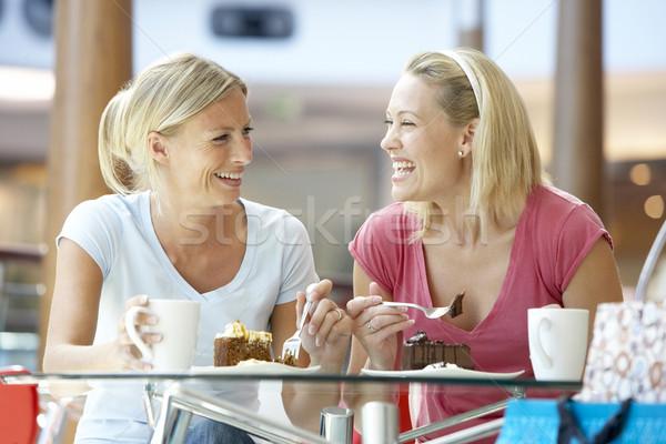 Feminino amigos almoço juntos shopping mulheres Foto stock © monkey_business