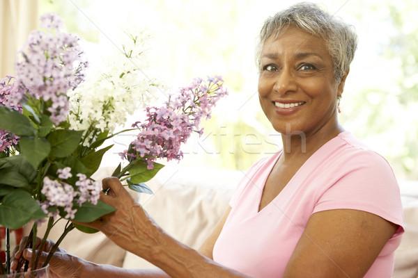 Stock fotó: Idős · nő · virág · otthon · virágok · boldog