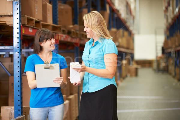 女性実業家 女性 ワーカー ディストリビューション 倉庫 女性 ストックフォト © monkey_business