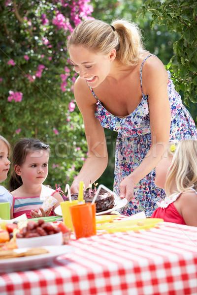 матери именинный торт группа детей улице Сток-фото © monkey_business