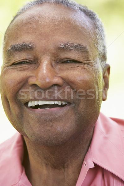 Zdjęcia stock: Starszy · człowiek · śmiechem · kamery · portret · osoby