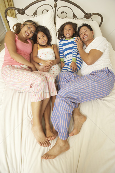 Stockfoto: Jonge · familie · ontspannen · slaapkamer · kinderen · man