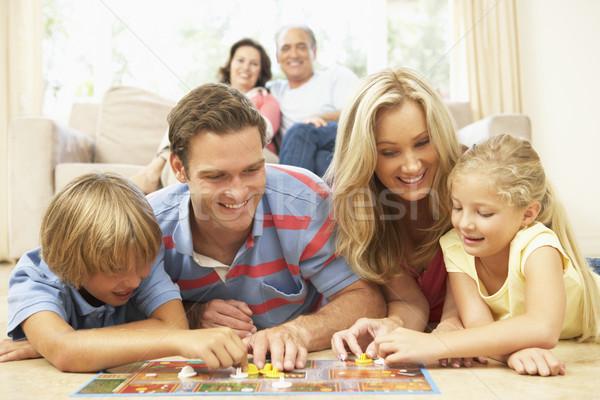 Stockfoto: Familie · spelen · bordspel · home · grootouders · kijken