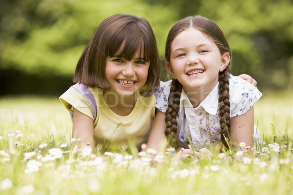 Photo stock: Deux · soeurs · extérieur · souriant · fleur · enfants