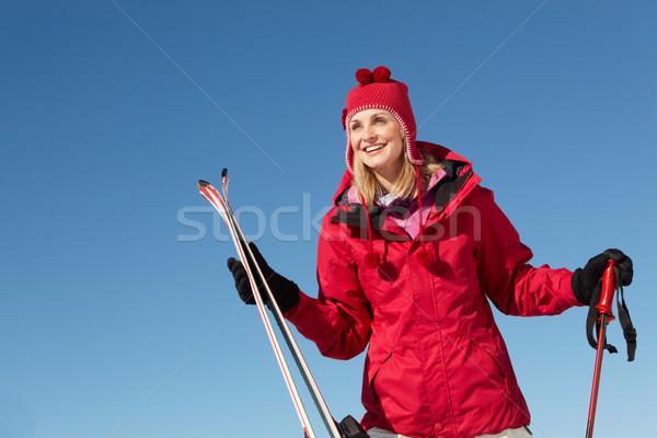 Narciarskie wakacje góry kobieta szczęśliwy Zdjęcia stock © monkey_business
