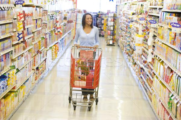 Stockfoto: Vrouw · voortvarend · supermarkt · gangpad · kruidenier · voedsel