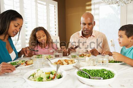 Famiglia pasto ristorante donna Foto d'archivio © monkey_business