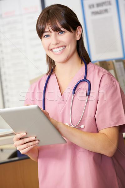 Сток-фото: медсестры · цифровой · таблетка · станция · женщину