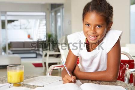Stockfoto: Meisje · huiswerk · keuken · kind · schrijven · leren