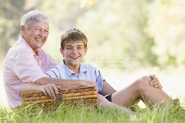 Сток-фото: деда · внук · пикника · улыбаясь · счастливым · ребенка