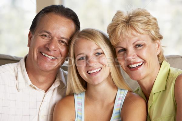 ストックフォト: 家族 · 一緒に · ホーム · 男 · 幸せ · 肖像