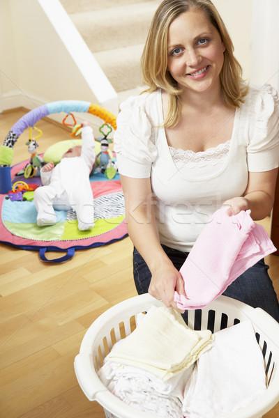 Сток-фото: матери · ребенка · одежды · домой · женщину · человек