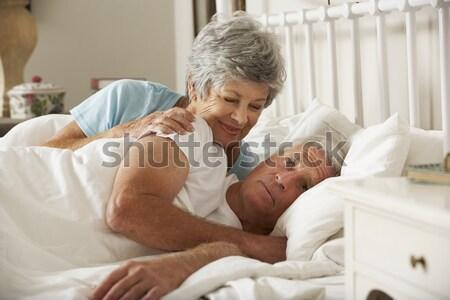 Paar ontspannen slaapkamer man sexy portret Stockfoto © monkey_business