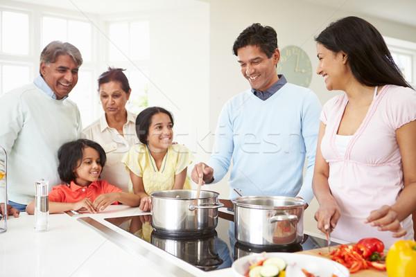 Több generáció indiai család főzés étel otthon Stock fotó © monkey_business