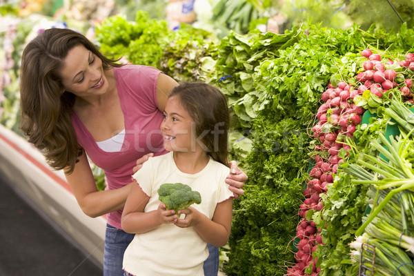 Stockfoto: Moeder · dochter · kiezen · supermarkt · vrouw