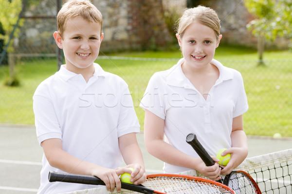 Kettő fiatal barátok teniszpálya mosolyog gyerekek Stock fotó © monkey_business
