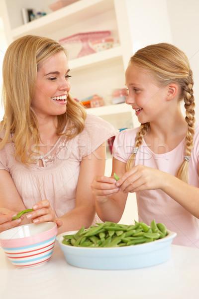 Stok fotoğraf: Genç · kadın · çocuk · mutfak · kadın · kız · mutlu