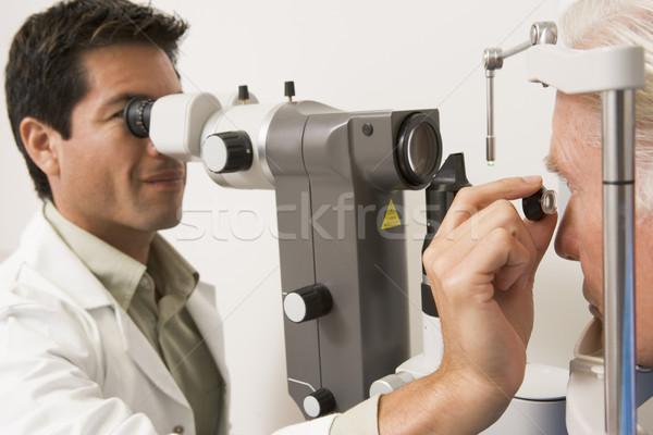 Arts ogen medische mannen kleur permanente Stockfoto © monkey_business