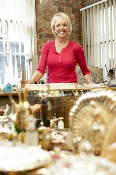 Női antik bolt birtokos nő személy Stock fotó © monkey_business