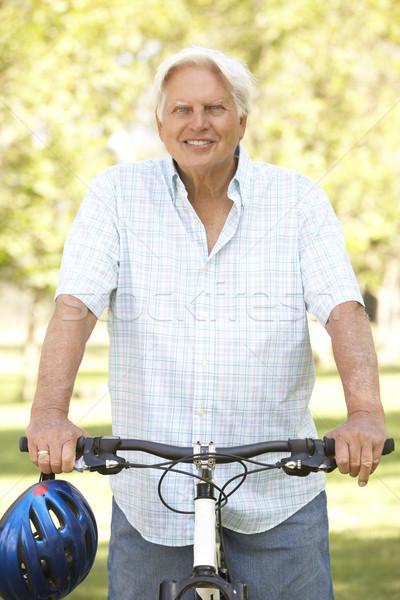 Foto d'archivio: Senior · uomo · ciclo · parco · felice · ritratto