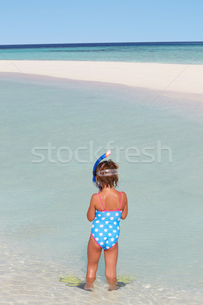 Meisje permanente strand snorkel kind Stockfoto © monkey_business