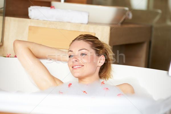 女性 リラックス 泡風呂 幸せ バス 笑みを浮かべて ストックフォト © monkey_business