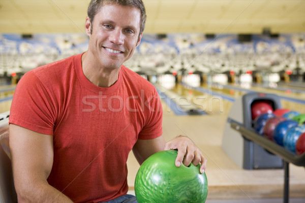 Giovane palla da bowling bowling felice sport Foto d'archivio © monkey_business