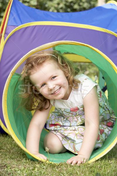 Joven jugar ninos hierba Foto stock © monkey_business