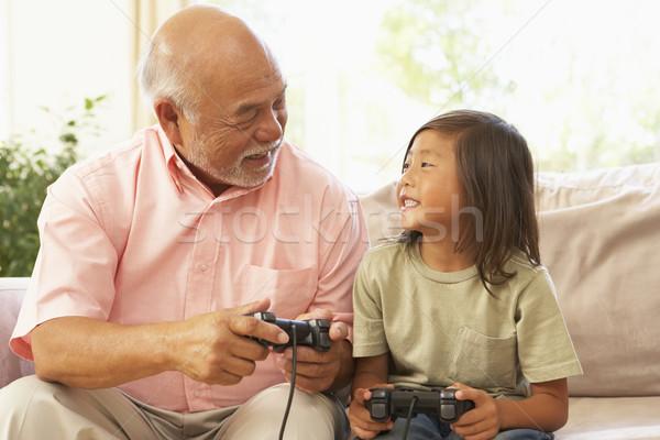 Grootvader kleinzoon spelen computerspel home kind Stockfoto © monkey_business