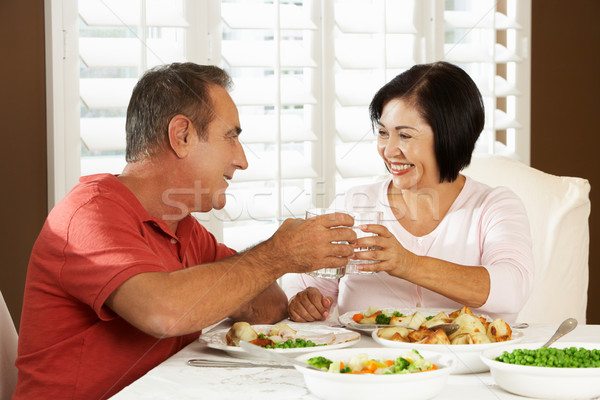 Stock fotó: Idős · pár · élvezi · étel · otthon · nő · víz