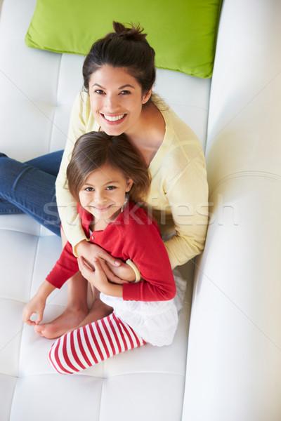Stockfoto: Moeder · dochter · ontspannen · sofa · vrouw