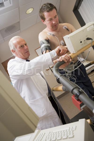Orvos ellenőrzés beteg egészség csekk kórház Stock fotó © monkey_business