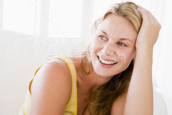 Stockfoto: Vrouw · vergadering · woonkamer · vrouwen · salon · glimlachend