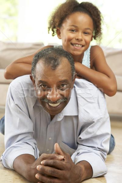 Stock foto: Großvater · Enkelin · spielen · zusammen · home · glücklich