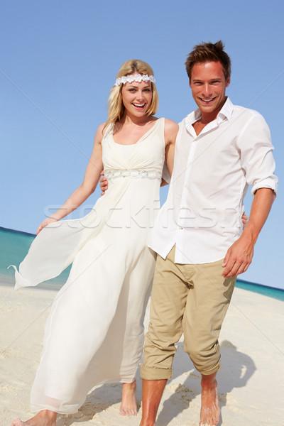 Casal belo praia casamento mulher amor Foto stock © monkey_business